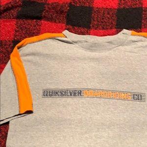 Men's gray tshirt